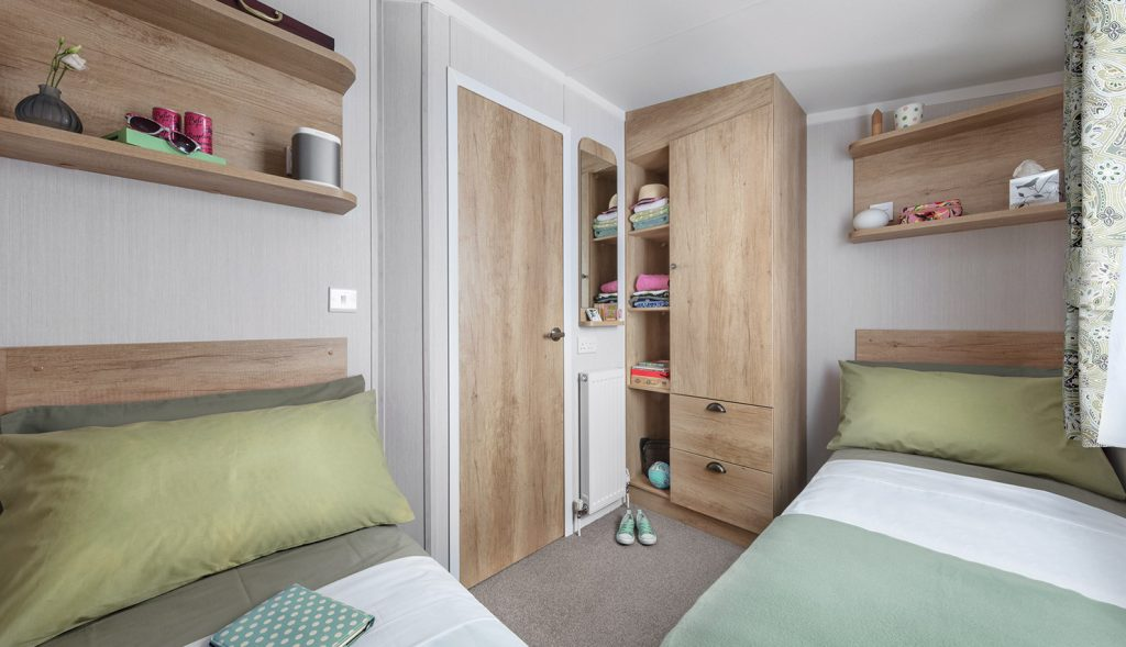 Holiday Home, twin bedroom
